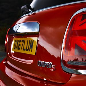 1519131430p90289428-highres-mini-led-rear-lights.jpg