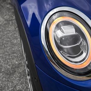 1519131431p90289654-highres-mini-led-headlights.jpg